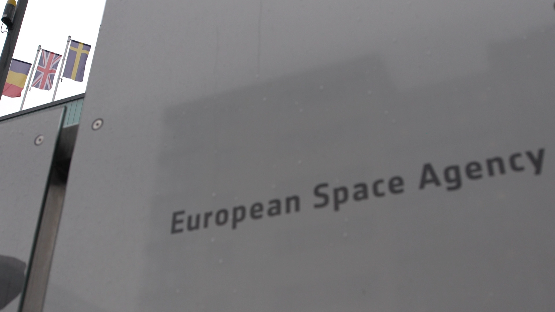 - d52c0885c10445b3b3bce1bae1fadcd5 - Post-Brexit UK stays with European Space Agency, but projects struggle
